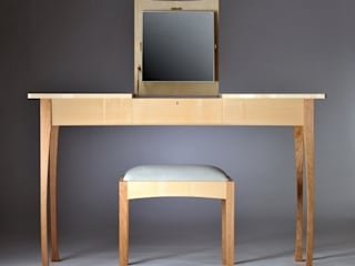 Princess Sarah: modern  by Ben Rawlinson Bespoke Furniture, Modern