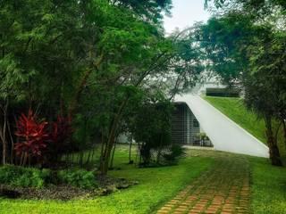 Jardines de estilo moderno de sanzpont [arquitectura] Moderno