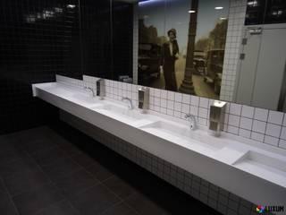 Umywalki wielostanowiskowe do wnętrz publicznych Nowoczesna łazienka od Luxum Nowoczesny