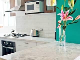 Cucina moderna di Diseño Distrito Federal Moderno