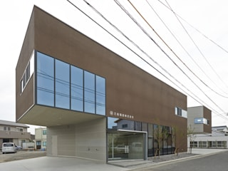 M社ビル の 弘中建築設計事務所 ラスティック