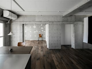 Salas de estilo rústico de group-scoop architectural design studio Rústico