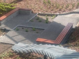 ogród leśny przy firmie od 2o2 studio Industrialny