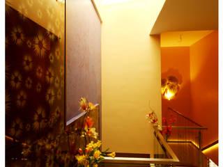 URBAN NEST Modern corridor, hallway & stairs by Aadyam Design Studio Modern