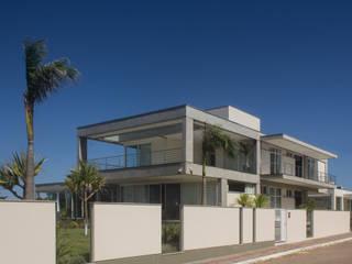 Houses by PJV Arquitetura, Modern