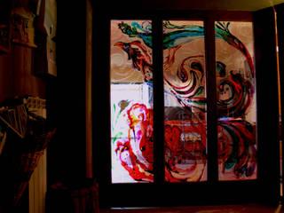 VETRATA : PORTA SCORREVOLE Soggiorno in stile mediterraneo di ELISA POSSENTI ART Mediterraneo