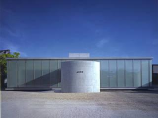 正面外観: 株式会社アルフデザインが手掛けた会議・展示施設です。