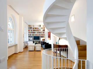 Padi Costruzioni Modern Corridor, Hallway and Staircase