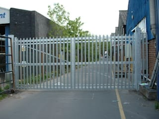 Steel Automatic Gates Eclectic style commercial spaces by AGD Systems Eclectic