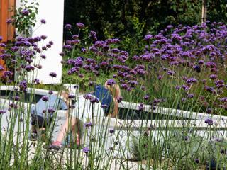 ogród horyzontalny: styl , w kategorii  zaprojektowany przez SPRING architektura krajobrazu