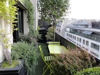 Balkon, Beranda & Teras Klasik Oleh FIORELLINO paysagiste Klasik