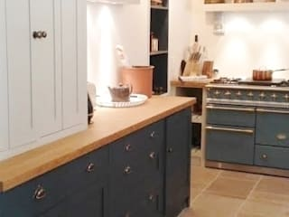 Holiday home in South of France Classic style kitchen by Bandon Interior Design Classic
