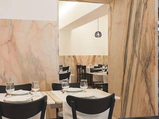 Cervejaria Europa Espaços de restauração modernos por TERNULLOMELO Architects Moderno