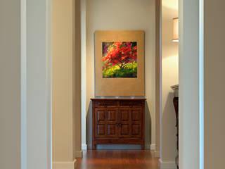 Couloir et hall d'entrée de style  par Uptic Studios,