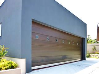 株式会社ワールドガレージドア Garages & sheds