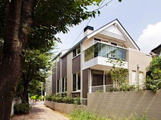 Casas estilo moderno: ideas, arquitectura e imágenes de 株式会社 間瀬己代治設計事務所 Moderno