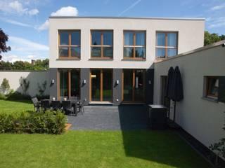 Fertighaus: Wohnen und Arbeiten Moderne Häuser von RENSCH-HAUS GMBH Modern
