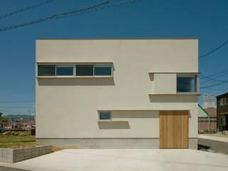 Maisons modernes par 浦瀬建築設計事務所 Moderne