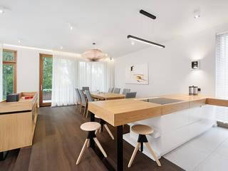 Livings modernos: Ideas, imágenes y decoración de razoo-architekci Moderno