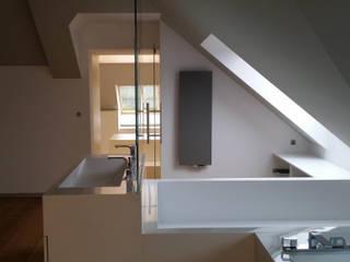 Arrangement bathroom made by Luxum Modern bathroom by Luxum Modern