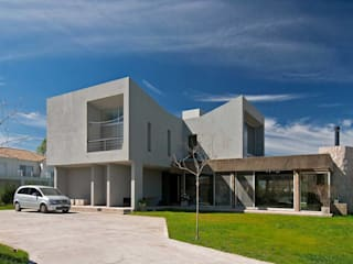 Houses by Estudio Sespede Arquitectos