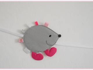 """Guirlande """"miss hérisson"""" rose et grise par Petite Pomme et Mini Chouette Éclectique"""