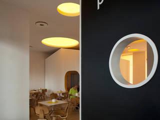 Petit Cabanon por TERNULLOMELO Architects Moderno