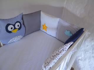 Tour de lit bébé chouettes, étoiles et nuage:  de style  par ShanouK, les petites mains...