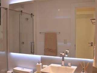 Baños de estilo  por Luizana Wiggers Projetos