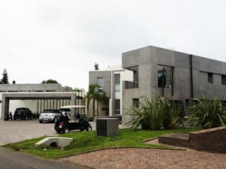 Modern home by de Jauregui Salas arquitectos Modern