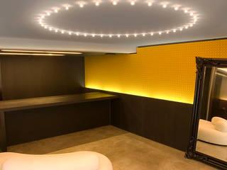 Minimalist walls & floors by Rizzo 1830 Minimalist
