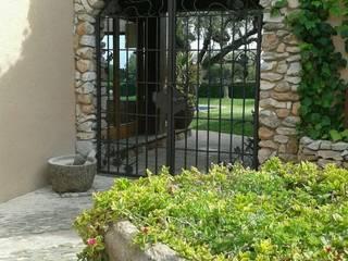 CIERRES METALICOS AVILA, S.L. Rustic style garden