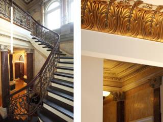 Villa an der Alster Klassischer Flur, Diele & Treppenhaus von Andreas Edye Architekten Klassisch
