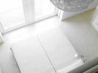 Modern style bedroom by Estudio de Arquitectura Teresa Sapey Modern
