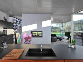 Cocinas modernas: Ideas, imágenes y decoración de Architekten Spiekermann Moderno