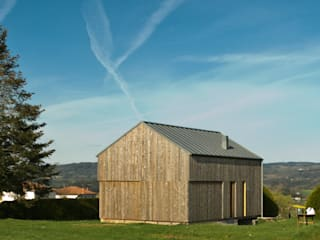 Casa de campaña: Casas de estilo escandinavo de Arrokabe arquitectos