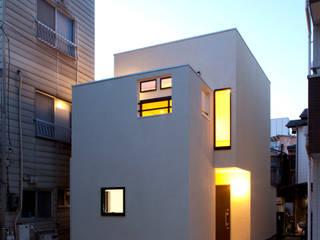 Casas de estilo  de アトリエ・ノブリル一級建築士事務所