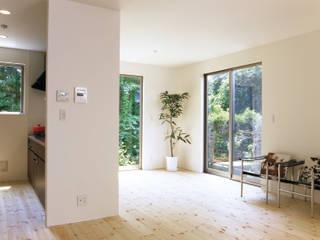 Dormitorios de estilo  de アトリエ・ノブリル一級建築士事務所