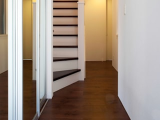 代沢の家/エントランスホール: アトリエ・ノブリル一級建築士事務所が手掛けた廊下 & 玄関です。