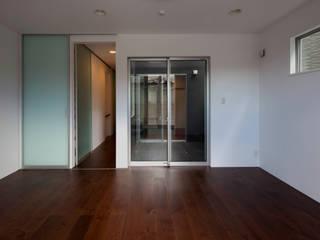 代沢の家/リビングルーム: アトリエ・ノブリル一級建築士事務所が手掛けたリビングです。