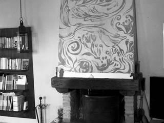 CAMINI DIPINTI Soggiorno in stile rustico di ELISA POSSENTI ART Rustico