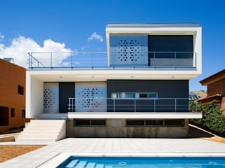 casa Ch_V: Casas de estilo  de AGUA_architects