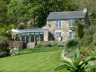 Cove Cottage St. Loy Penzance Country style houses by Lilly Lewarne Practice Country