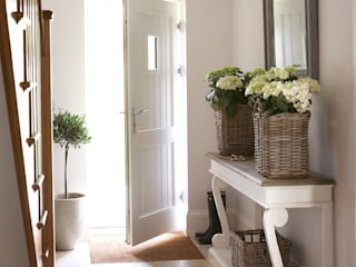 A House On The River Country style corridor, hallway& stairs by Emma & Eve Interior Design Ltd Country