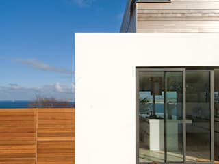 House by the Sea, St.Ives: modern Houses by Lilly Lewarne Practice