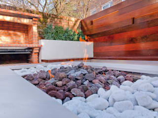 Private House - Holland Park Giardino moderno di New Images Architects Moderno