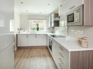 Cotswold Cottage:  Kitchen by Emma & Eve Interior Design Ltd