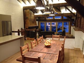 Val D'isere France:  Dining room by CasaNora, Rustic