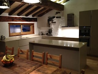 Val D'isere France:  Kitchen by CasaNora, Modern