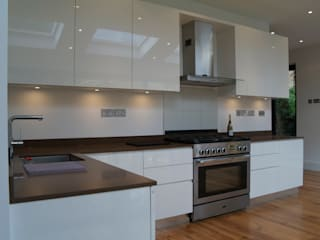 Kitchen - Ealing  13:  Kitchen by CasaNora, Modern